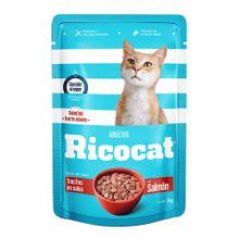 comida-para-gato-ricocat-trocitos-en-salsa-con-salmon-para-adultos-pouch-85g