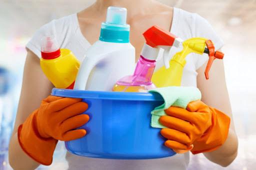 limpiadores multiusos y  limpiadores de vidrio